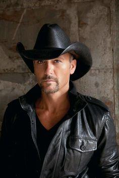 Tim McGraw ohhh my!! Very lucky Faith!! Tim And Faith df848f103724
