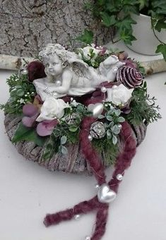 Graf Arrangement Graf Sieraden All Saints Day Dode Zondag Krans Angel Roses – Deko Ideen – Wreaths Arrangements Funéraires, Funeral Flower Arrangements, Funeral Flowers, Diy Flowers, Flower Decorations, Christmas Wreaths, Christmas Decorations, Holiday Decor, Memorial Flowers