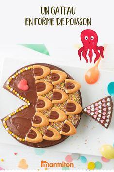 Une recette originale et très facile pour un goûter ou un anniversaire d'enfant : le gâteau au chocolat en forme de poisson ! #recettemarmiton #marmiton #recette #recettefacile #recetterapide #faitmaison #cuisine #ideesrecettes #inspiration #chocolat #gateau #gateauchocolat #poisson #enfant #anniversaire Cute Food, Yummy Food, Childrens Meals, Snacks, Cake Art, No Bake Cake, Amazing Cakes, Cake Decorating, Sweet Treats