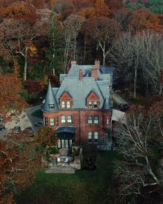 Dream Home Design, My Dream Home, House Design, Victorian Gothic, Victorian Homes, Landscape Edging Stone, Sims House, Future House, Foul Play