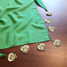 Fotoğraf açıklaması yok. Scarf Jewelry, Needle Lace, Chrochet, Tassels, Crochet Earrings, Knitting, Bracelets, Fabric, Pattern