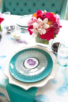 Tiffany blue wedding décor.