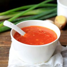 add 2 minced cloves garlic, 1 minced green onion, of minced ginger root. Combine ketchup, ½ c water, rice vinegar (or lemon jui(Cheese Straws British) Chinese Dishes Recipes, Asian Recipes, Easy Recipes, Sauce Chinoise, Sauce Recipes, Cooking Recipes, Noodle Recipes, Asia Food, Marinade Sauce