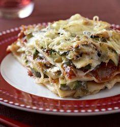 Lasagnes aux courgettes et au chèvre - à coupler avec le gratin courgette/chèvre - pour une version sans gluten/ligt/saine remplacer les feuilles de lasagnes par des tranches de courgettes crues