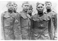 WWI original code talkers from the Choctaw tribe. Nineteen men, during WWI, helped turned the tide of the war. When they decided to implement the program again for WWII, the Navajo tribe was much larger and was able to provide more code talkers Native American History, Native American Indians, Schlacht An Der Somme, Gi Joe, Choctaw Indian, Native Indian, Code Talker, Affirmations, We Are The World