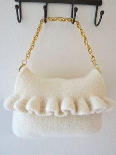 Felted Purse Pattern Knit Bag Pattern by DeborahOLearyPattern #knit #purse #crafts #yarn #knitting