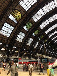 Milan, Milano Centrale Milan, Lake Como, Cinque Terre, Lucca, Places Ive Been, Tourism, To Go, Louvre, Elegant