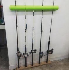 More Than 95 Genius Create A Cheap And Easy Fishing Rod Organizer From & Genius! Create a cheap and easy fishing rod organizer from a pool noodle! Fishing Pole Storage, Fishing Pole Holder, Pole Holders, Fishing Poles, Fly Fishing, Fishing Tips, Fishing Basics, Fishing Stuff, Fishing Pole Decor
