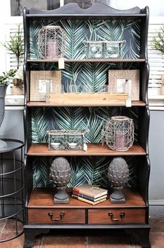 Antiquechic - recycling and reinventing furniture Home Crafts, Shelves, Creative, Furniture, Home Decor, Painted Furniture, Bricolage, Repurpose, Shelving
