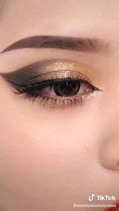 Smoke Eye Makeup, Eyebrow Makeup Tips, Makeup Tutorial Eyeliner, Eye Makeup Steps, Eye Makeup Art, Contour Makeup, Makeup Videos, Skin Makeup, Brown Smokey Eye Makeup Tutorial
