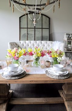 A Spring Tablescape - Decor Gold Designs