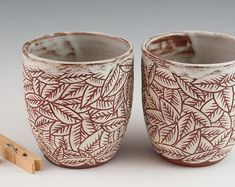 Latest Absolutely Free red Clay pottery Strategies Set of 2 Carved Leaf Cups – Handmade stoneware pottery – White on Red Clay Ceramic Bowls, Ceramic Pottery, Ceramic Art, Stoneware, Pottery Courses, Pottery Store, Clay Cup, Pottery Tools, Wheel Thrown Pottery