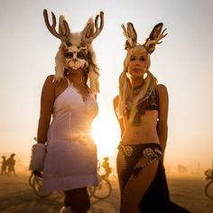 The Most 'Burning Man' Looks From Burning Man 2015 (NSFW) - Jackalopes in the wild