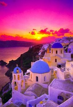 No other sunset quite like the beautiful colors ~ in Santorini, Greece