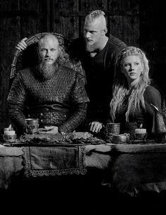 vikingshistory: Ragnar, Lagertha and Bjorn | Vikings Season 4 First Look [x]
