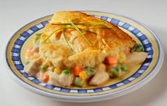 This is the BEST chicken pot pie ever. Easy Chicken Pot Pie -- Uses only 6 ingredients and takes only 30 minutes to make! Homemade Chicken Pot Pie, Cream Of Chicken Soup, Cooked Chicken, Recipe Chicken, Healthy Chicken, Rotisserie Chicken, Cream Soup, Easy Chicken Pot Pie Recipe With Bisquick, Betty Crocker Chicken Pot Pie Recipe