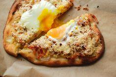 Leek, Lardon, and Lemon Pizza Veg Recipes, Pizza Recipes, Cooking Recipes, Bacon Stuffed Mushrooms, Stuffed Peppers, Lemon Pizza, Local Pizza, Good Food, Yummy Food