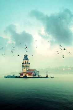 Kız Kulesi - Maiden's Tower, Istanbul, Turkiye. One of the oldest lighthouses in the world. Urban House, Oh The Places You'll Go, Places To Visit, Beautiful World, Beautiful Places, Magic Places, Foto Blog, Turkey Travel, Art Moderne