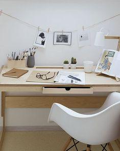 SZAFA 2 DRZWIOWA BIAŁA KÓŁKO KRZYZYK - pokój dziecka - meble - Pakamera.pl Office Desk, Study, Furniture, Home Decor, Desk Office, Studio, Decoration Home, Desk, Room Decor