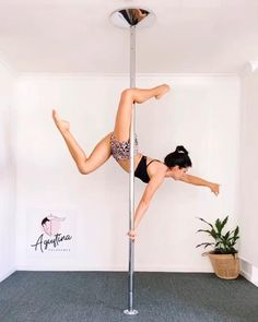 Pole Fitness Moves, Pole Dance Moves, Pole Dancing Fitness, Dance Tips, Sport Fitness, Pole Dancing Quotes, Aerial Dance, Aerial Yoga, Pole Dancing For Beginners