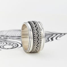 Men's Chunky Tribal Spinning Ring | Charlotte's Web