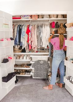 Optimizing Closet Space with The Container Store – A Mix of Min – Purses And Gandbags Organization Huge Closet, Girl Closet, Closet Bedroom, Master Bedroom, Teen Closet Organization, Closet Storage, Attic Storage, Elfa Closet, Closet Space