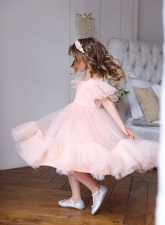 Flower girl dress, Blush pink girl dress, Tulle flower girl dress, White toddler dress, First communion dress - ภาพถ่าย - Blush Flower Girl Dresses, Boho Flower Girl, Little Girl Dresses, Boho Girl, Girls Dresses, Pink Dresses, Toddler Flower Girls, Toddler Dress, Pink Child