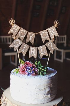 Gender Reveal Cake Topper, Boy or Girl Cake Topper, Gender Reveal Ideas, Gender Reveal Decorations, Gender Reveal Party, Rustic Baby Shower