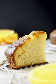 POKE CAKE ALL'ARANCIA | Fatto in casa da Benedetta Rossi Cornbread, Drinks, Ethnic Recipes, Desserts, Food, Home, Bakken, Millet Bread, Drinking