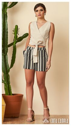 LOOK BOOK 12 • Coleção Cosmopolitan • Cora Canela Classy Outfits, Vintage Outfits, Casual Outfits, Fashion Outfits, Short Outfits, Short Dresses, Summer Outfits, Look Con Short, Trends