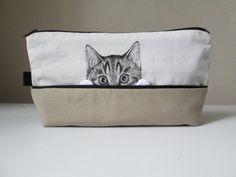 idée de cadeau stockage sac cosmétique produits de toilette pour chat fou dame chat amoureux peintes à la main beige sable de tissu coton Ivoire peint à la main de poche de chat