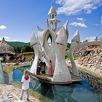 Come to Slovakia! Detailed information on tourism in Slovakia, book accommodation in Slovakia, search surroundings on map and get to know Slovakia. Stuff To Do, Things To Do, Tour Guide, Statue Of Liberty, Tourism, World, Travel, Animals, Things To Doodle