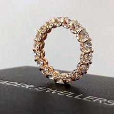 Tiny Star Earrings/ Diamond Star Earrings in Solid Gold/ Tiny Diamond Earrings/ Tiny Stud Earrings/ Tiny Diamond Studs/ Valentines Day - Fine Jewelry Ideas Diamond Bangle, Diamond Studs, Diamond Jewelry, Jewelry Rings, Jewelry Accessories, Fine Jewelry, Jewelry Design, Jewelry Holder, Diamond Earrings
