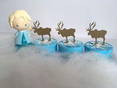 Mesa de doces. Frozen. Frozen festa. Elsa. Anna. Decoração. Festa infantil. Disney. Princesas da Disney. Frozen party ideas. Frozen party. Lembrancinhas Frozen
