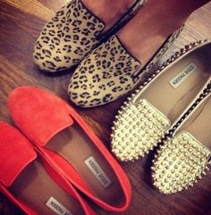 Love the Orange Steve Madden loafer -- great Fall shoe Estilo Fashion, Look Fashion, Fashion Beauty, Autumn Fashion, Fashion Shoes, Girl Fashion, Fashion Bible, Fashion News, Looks Chic