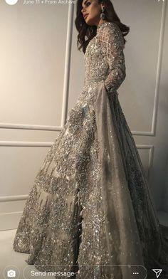 New Dress Designer Pakistani Gowns Ideas Indian Wedding Gowns, Pakistani Wedding Outfits, Indian Bridal Outfits, Pakistani Bridal Dresses, Indian Fashion Dresses, Designer Wedding Gowns, Pakistani Wedding Dresses, Pakistani Dress Design, Indian Bridal Wear