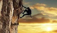 Dás o teu melhor em cada dia?  Para viver os nossos sonhos e aproveitar ao máximo a nossa vida, é preciso ouvir os gritos da nossa alma, ter fé em nós e ter a coragem de correr riscos e fazer mudanças.  http://angelasilvestre.com/e/blog-manifesta-o-teu-apreco-pela-vida-e-da-o-teu-melhor-em-cada-dia