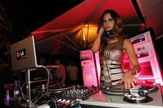 Empire Entertainment provides good entertainer and #wedding #dj #services than other. Right now acquire wedding dj services in less expensive price More Detail: http://www.empireentertainment.ca/djs