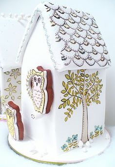 Gingerbread bird houses?  Why not?  Especially when they are as charming as these.  I think I'm in love . . .