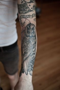 Thomas Hooper Owl (on arm)
