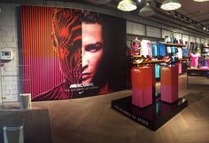 Nike istallation Brussel by confettireclame.nl