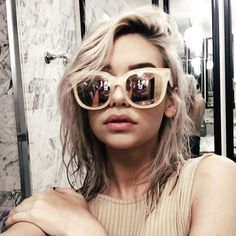 quay x amanda steele 'envy' sunnies Amanda Steele, Ray Ban Sunglasses Sale, Sunglasses 2016, Sunglasses Outlet, Mirrored Sunglasses, Corte Y Color, Ray Ban Outlet, Glamour, Sunnies