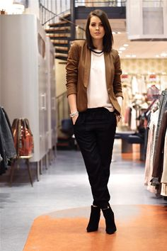 How to rock the casual chic look Business Outfits, Office Outfits, Fall Outfits, Casual Outfits, Cute Outfits, Fashion Outfits, Business Casual, Fashion Clothes, Estilo Cool