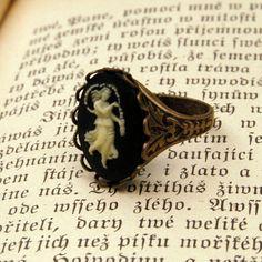 Vintage Zodiac Cameo Ring  Virgo