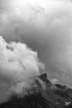 Hoher Ifen - surrounded by clouds #kleinwalsertal #visitvorarlberg Clouds, Mountains, Outdoor, Photos, Summer 2016, Outdoors, The Great Outdoors, Bergen, Cloud