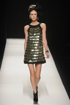 Moschino Fall 2012 Ready-to-Wear - Collection - Gallery - Style.com