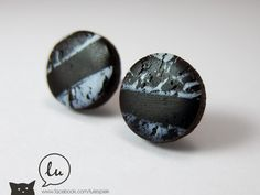 Lules Piek Landscape earstuds in black and white