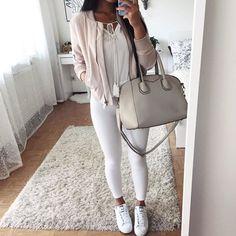 16 Outfits para chicas que andan en sus veintes