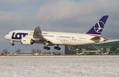 LOT Polish Airlines Boeing 787-8 Dreamliner at Gdansk International Airport (photo by Sebastian Elijasz)