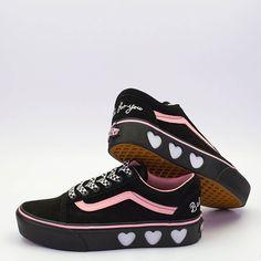 0fb8bf83cbbf Vans X Lazy Oaf Old Skool Platform μαύρο με ροζ λεπτομέρειες